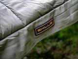 Slaapzak All Seasons Skills Donkergroen Logo
